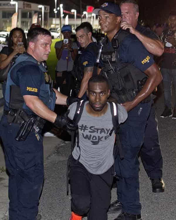 DeRay McKesson arrested in Baton Rouge.