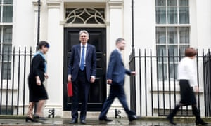 Philip Hammond outside door to 11 Downing Street