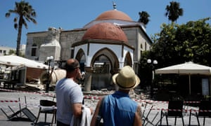 Turkey and Greece hit by strong earthquake: two dead and 200