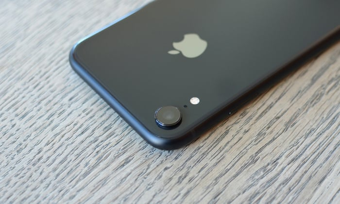 iPhone XR review: Apple's cheaper battery king | Technology