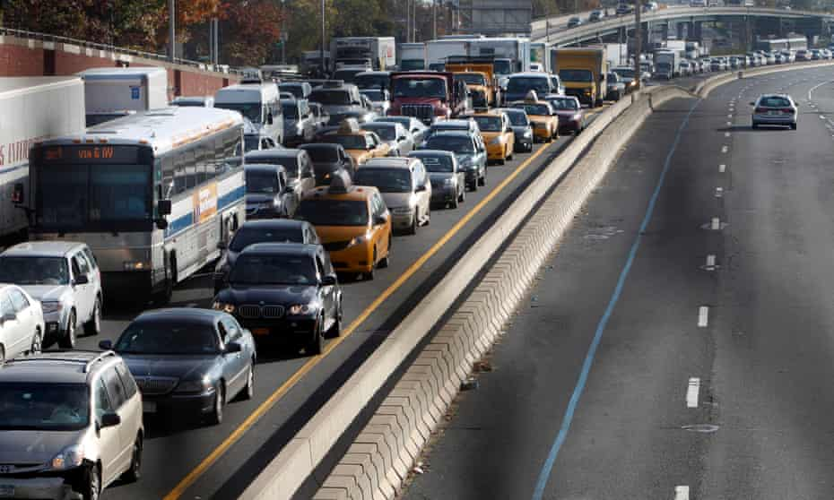 Traffic gridlocked on the Long Island Expressway, New York.