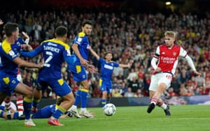 Emile Smith-Rowe doubles the Gunners advantage.