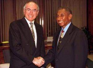 Papua New Guinea's PM Sir Julius Chan (R) meets Australian Prime Minister John Howard in Sydney in 1996.