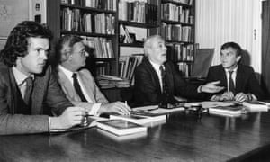 Robert McCrum (left) and Matthew Evans (right) flank Sydney Higgins and Tony Benn at a press conference to announce an anthology of socialist writings, Writings on the Wall, that Benn had (nominally) edited.