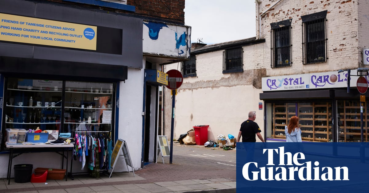 'Jaw-dropping' fall in life expectancy in poor areas of England, report finds