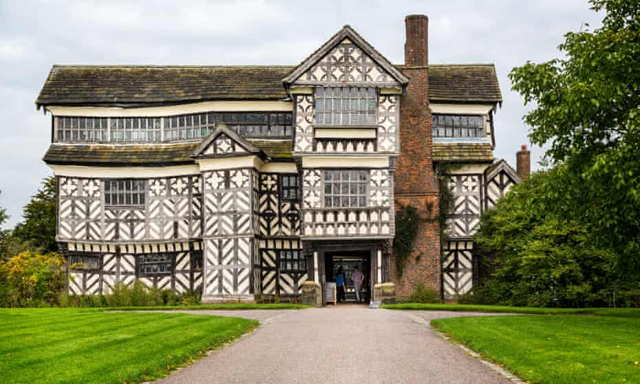 Half timbered Elizabethan Little Moreton Hall in Congleton, Cheshire