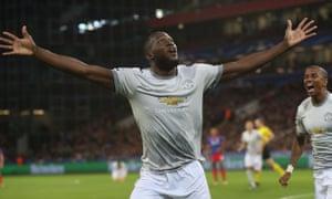 Romelu Lukaku celebrates scoring Manchester United's first goal.