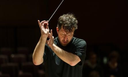 Thomas Adès conducts the Britten Sinfonia.