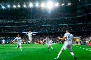 Real Madrid 2 2 Bayern Munich Agg 4 3 Champions League Semi Final As It Happened Football The Guardian