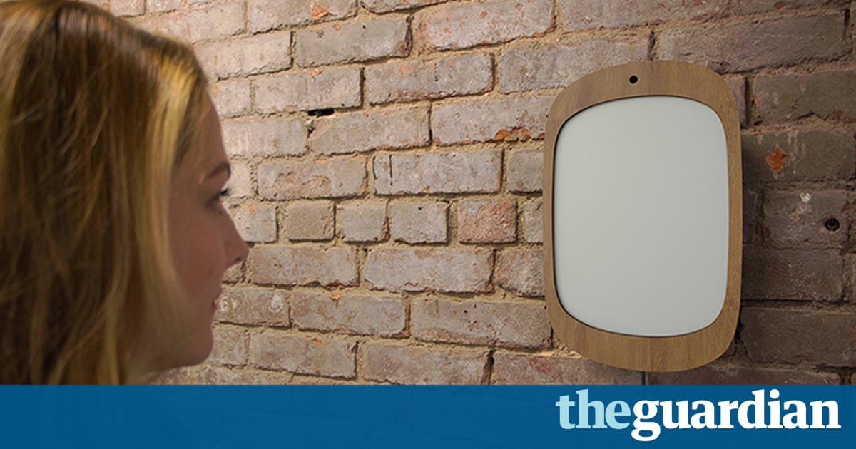 Mirror invented for cancer patients forces them to smile for Who invented the mirror