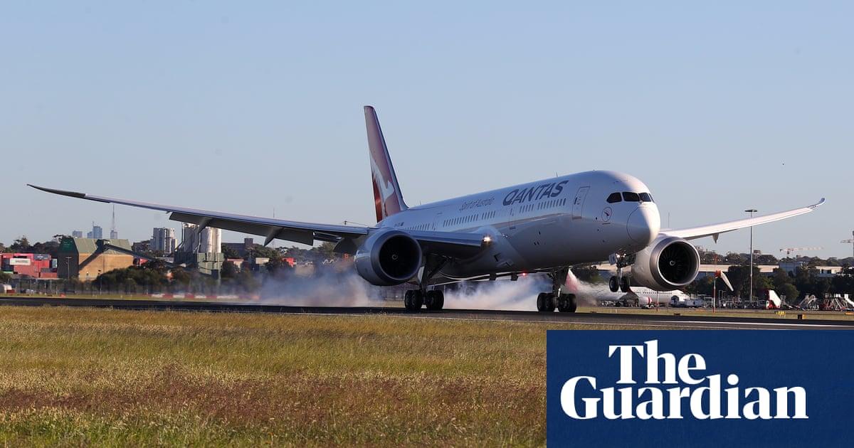 Qantas hails 'historic' moment after Dreamliner completes 19-hour non-stop flight