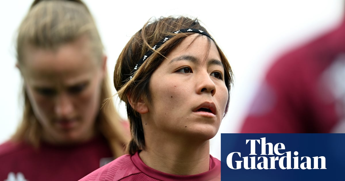 Mana Iwabuchi: 'I want to show girls in Japan they can dream about playing football'