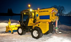Doncaster council gritting vehicle.
