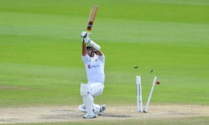 Naseem Shah is bowled by Jofra Archer and England need 277 to win.
