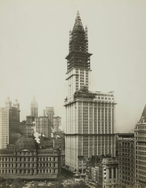Woolworth Building under construction in New York 1912