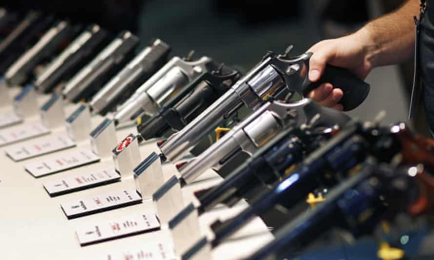 handguns at a gun show