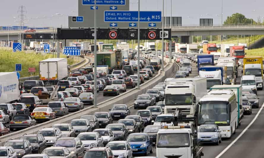 Traffic at a standstill in both directions on M25 motorway