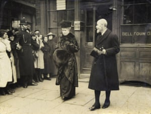 Britain's King George V and Queen Mary leave the foundry in 1919.