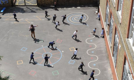 Organise catch-up summer schools to help disadvantaged pupils, UK told