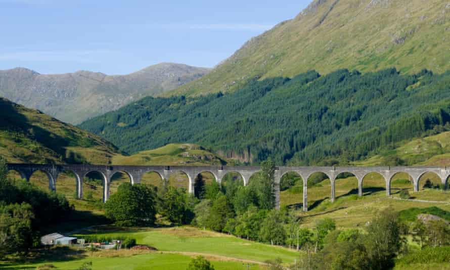 Glenfinnan Viaduct, West Highland Line, Glenfinnan, Lochaber, Inverness-shire, Highland, Scotland, UK.