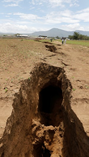 Crack in Kenya's Rift Valley
