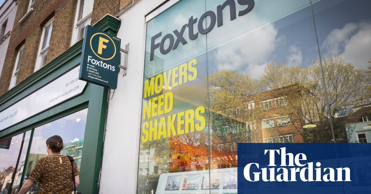 Foxtons chair quits after largest shareholder's call for changes