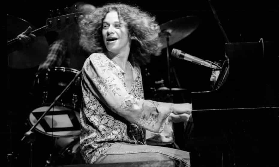 Carole King performing in New York, 1976.