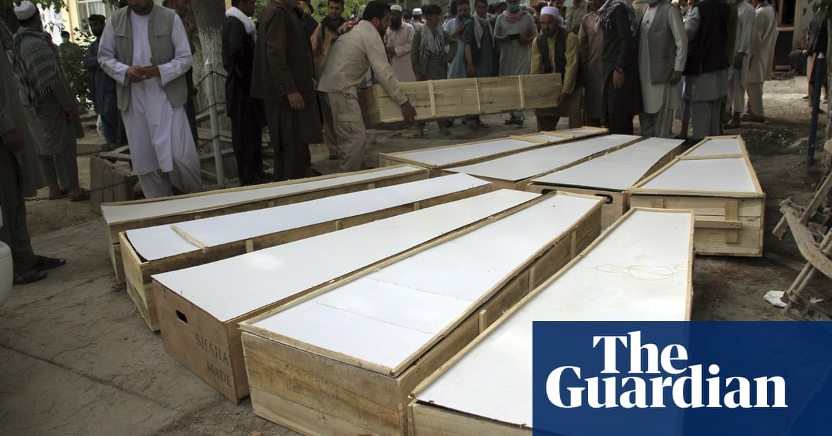 Gunmen kill 10 mine-clearance workers in Afghanistan