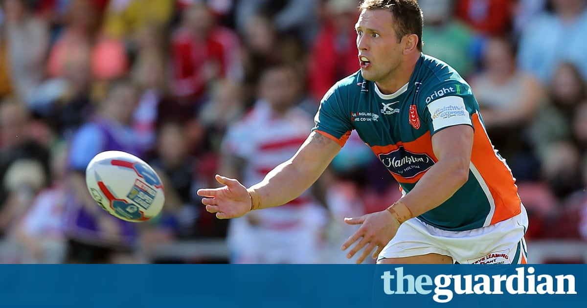 Shaun Lunt double sinks Leigh to keep Hull KR on track for Super League return