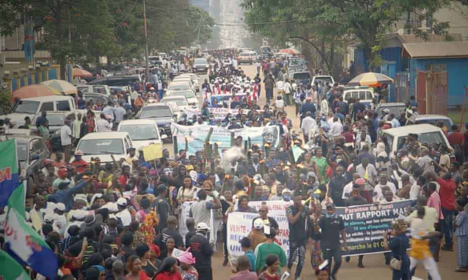 Women and lawyers demonstrate in Bukavu in the Democratic Republic of the Congo on Thursday in support of Nobel prize winner Denis Mukwege, whose foundation backed the protests, and to call on the UN to press for justice on historic crimes of violence.