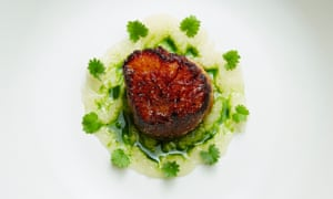 Scallop with fermented apple puree spiked by dill.