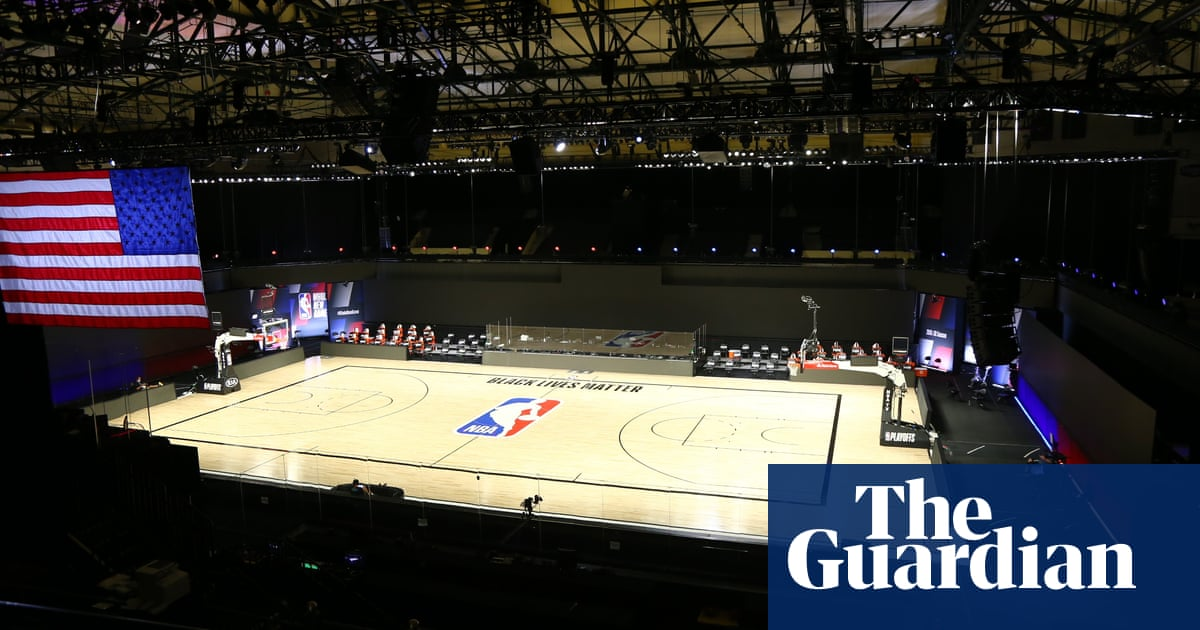 Kenny Smith walks off NBA on TNT set in solidarity with Bucks over Blake shooting – The Guardian