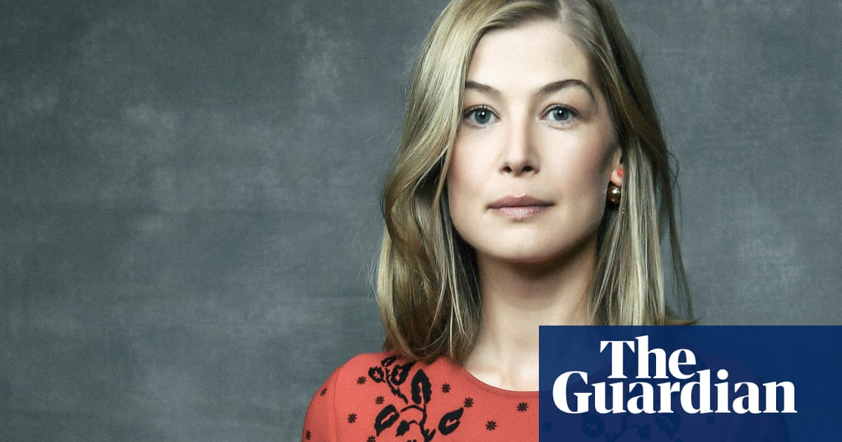 aa1f7e8cb0ef Rosamund Pike   I m happy being No 2. The guy s usually No 1