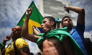 Anti-government demonstrators chant outside congress on Thursday after the controversial swearing-in of former president Lula.