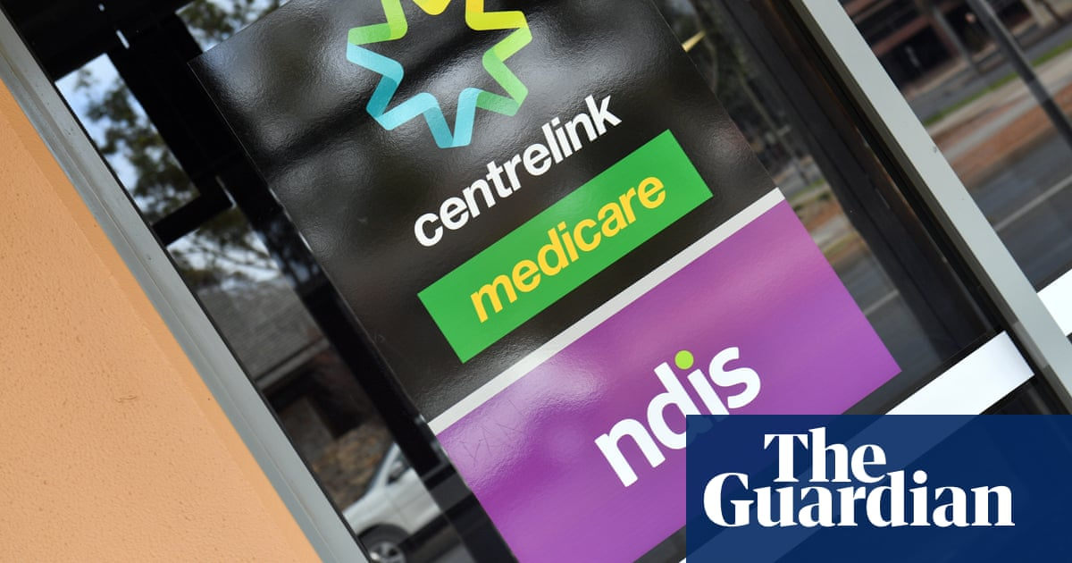Centrelink must review welfare debts after tribunal casts further doubt on income averaging, senator says