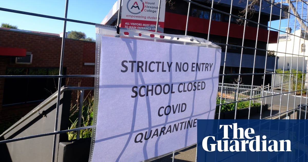 Covid outbreaks have shut more than 320 schools across NSW and Victoria in past three weeks