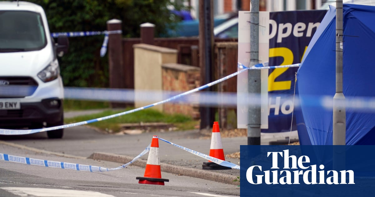 High Wycombe murder inquiry launched after dying man found in street