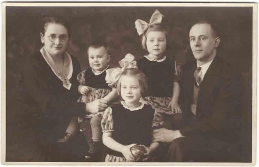 Lilli Heinemann's grandfather with his first wife and three of their children, all of whom were murdered in 1945
