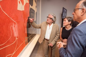 Lead donor Peter Weiss and Sydney Opera House chief executive, Louise Herron, admire the tapestry.