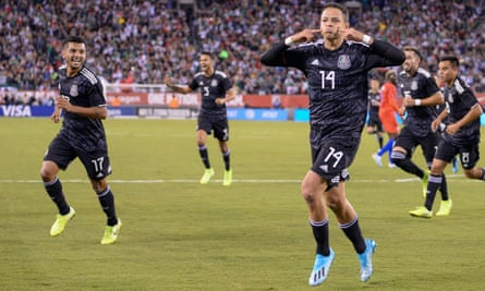 Javier Hernández celebrates his goal on Friday night