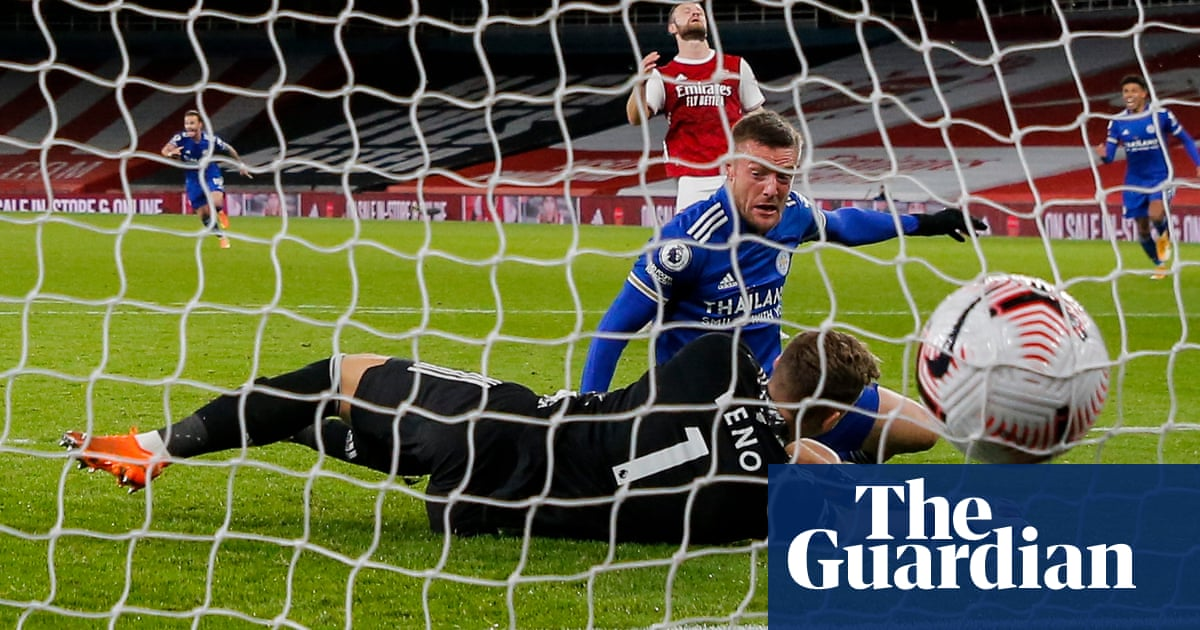 Jamie Vardy rises to occasion for Leicester to sink Arsenal