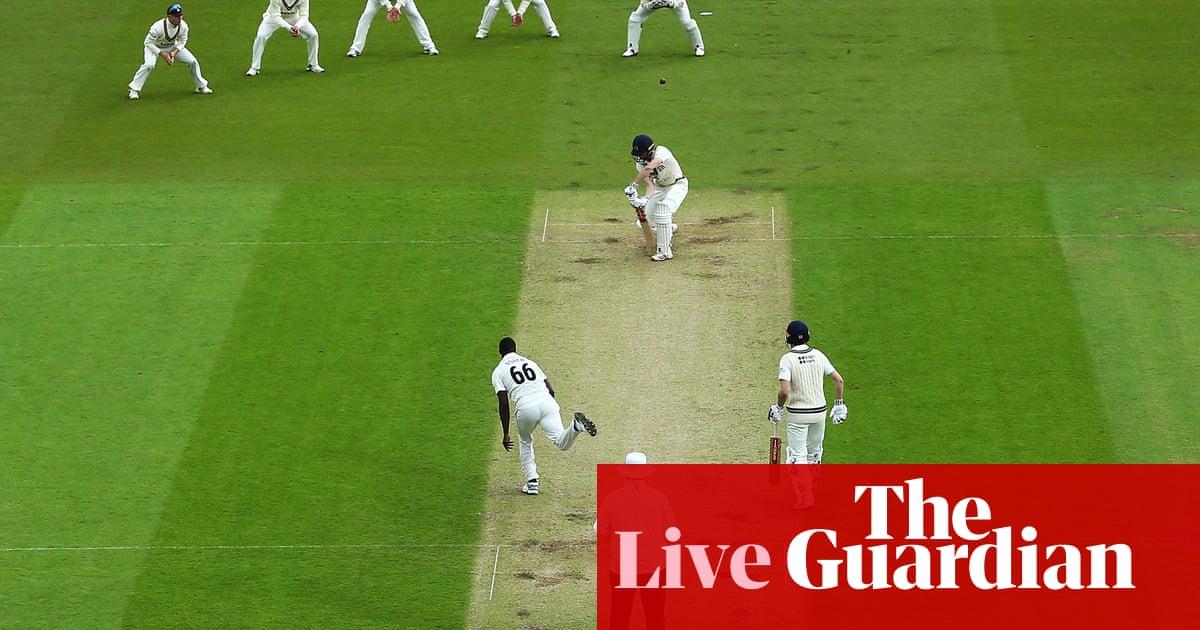 Nottinghamshire's Fletcher puts Worcs in trouble: county cricket – as it happened