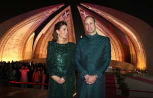 Islamabad, Pakistan Prince William, Duke of Cambridge and Catherine, Duchess of Cambridge attend a special reception hosted by the British High Commissioner Thomas Drew, at the Pakistan National Monument, during day two of their royal tour