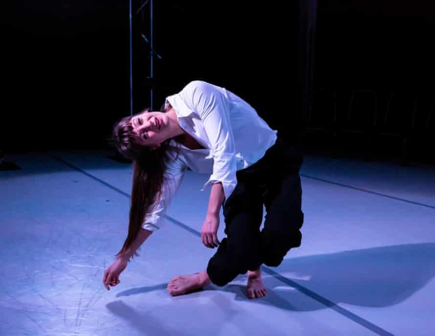 Solène Weinachter in Antigone, Interrupted