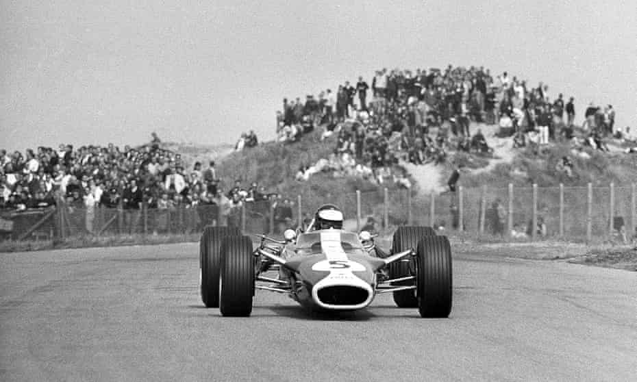 Jim Clark en route to winning the Dutch Grand Prix for the fourth time, in 1967