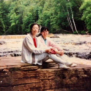 Lillian Li's mother (left), with fellow waitress Ah Ping in 1990