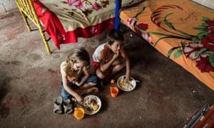 Family meal in Ecuador