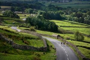 Cyclists on The Côte de Buttertubs, Yorkshire.
