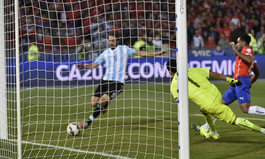 Higuaín's international career was defined by three misses in major finals – including this, against Chile in the 2015 Copa América.