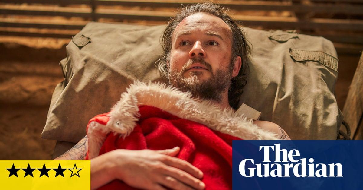 A Sunburnt Christmas review – a very Australian bad-Santa comedy for a jolly holiday season